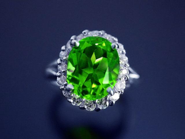 8月の誕生石ペリドットの意味・効果・宝石言葉